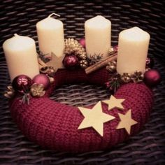 Stunning Christmas Sweater Wreath Advent Candles Decoration Ideas - Page 11 of 55 - Chic Hostess Christmas Advent Wreath, Christmas Candles, Christmas Centerpieces, Rustic Christmas, Xmas Decorations, Handmade Christmas, Christmas Time, Christmas Crafts, Advent Wreaths