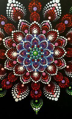 dot painting, puntillismo, point to point, Точечная роспись. Dot Art Painting, Mandala Painting, Stone Painting, Mandala Painted Rocks, Mandala Rocks, Mandala Canvas, Mandala Pattern, Pebble Art, Fractal Art