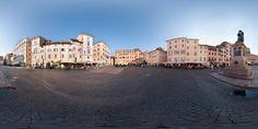 Piazza Campo de Fiori, ai confini dei rioni Parione e Regola