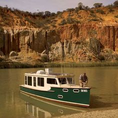 Mundoo riverboat by Duck Flat Wooden Boats