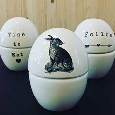 Ovos de porcelana da Quatro Vezes Wipfli para a Páscoa