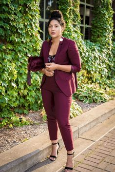 For-Formal-Event/ burgundy suit women, maroon suit, business casual outfits for women, bu Burgundy Suit Women, Maroon Suit, Business Casual Outfits For Women, Business Outfits, Business Attire, Cute Work Outfits, Fall Outfits, Curvy Work Outfit, Dressy Outfits
