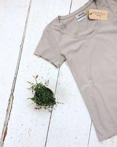 Anecdote shirt [size L] #kolifleur #dutchfashion  by @weirdnomad