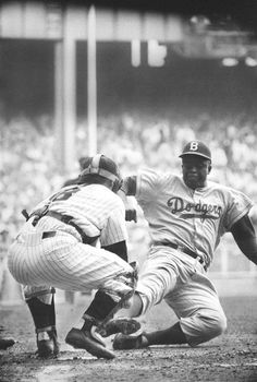 Jackie Robinson Stealing Home vs Yogi Berra - 1955