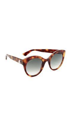 ¡Consigue este tipo de gafas de sol de Gucci ahora! Haz clic para ver d1f14107d7a3