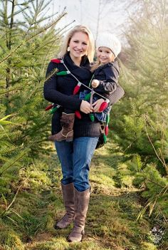 Mama and Daughter Duo – Christmas Tree Farm Mini-Session - Seattle Children Photography - Family Christmas Picture Ideas - Holidays