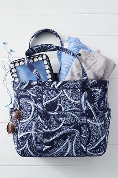 The Get Carried Away Tote offers both organization and flexibility. It features a breakaway zipper: keep the zipper in place and keep the bag securely closed or leave it open for easy access. Add in plenty of pockets to keep everything organized and you end up with this winner!