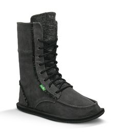 These need to be on my feet!!! #Sanuk Stevie for Women | Distressed Canvas Boots at www.sanuk.com
