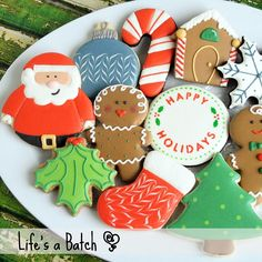 CHRISTMAS COOKIES! I have a few sets of holiday cookies left but they are first-come first served! Each set is $45 and includes 12 different fun & sweet holiday designs (snowman not pictured below). Cookies will come packed in a sweet holiday tin perfect for gift-giving! Send me an email - nicole@lifesabatch.com - and don't miss out! :-) #lifesabatch #decoratedcookies #sugarcookies #flashsale #christmascookies #christmas #TheWoodlandsTX #SpringTX #HoustonTX by lifesabatch