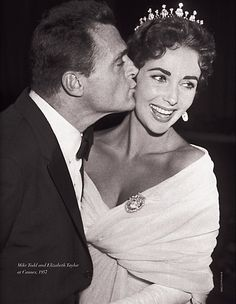 MAIA DAVITASHVILI: Elizabeth Taylor's Love Affair with Jewelry and Mike Todd.  He gave her this tiara.