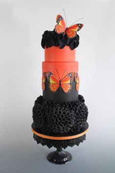 Black and Orange - cake by tomima Black Wedding Cakes, Beautiful Wedding Cakes, Gorgeous Cakes, Pretty Cakes, Cute Cakes, Amazing Cakes, Camo Wedding, Mini Tortillas, Unique Cakes