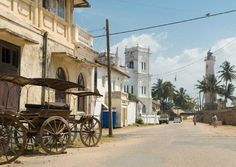 Atmospheric colonial architecture in Galle, Sri Lanka, by Sylvaine Poitau Tropic Of Capricorn, Wild Elephant, Colonial Architecture, Heaven And Hell, Great Barrier Reef, Continents, Where To Go, Sri Lanka, Travel Destinations
