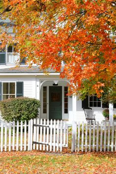 New England Living: New England Autumn Village New England Style, New England Homes, New England Fashion, Autumn Day, Autumn Home, Autumn Leaves, Gates, Fall Season, Lombok