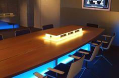 Presentamos la Mesa iSurf de Ofita con tecnología integrada para una moderna comunicación activa Ver más en: www.famocdepanel.com
