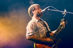 When I listen to Dan Auerbach's voice, it makes me want to curl into a little ball and roll around.