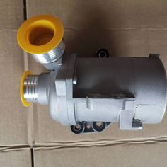 Electric Water Pump For BMW F18 F11 F10 F02 F25 X3  11517583836   11518635092     20.3*17*17.4cm   2.20kg