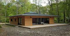 France-Normandie : une maison à ossature bois carrée en pleine forêt par E2R