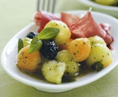 Melonen-Gurken-Salat mit Rohschinken - Rezept - Saisonküche