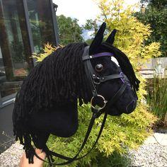 Rappe Hobby Horse, Riding Helmets, Horses, Hats, Handarbeit, Sustainability, Hat, Horse, Hipster Hat