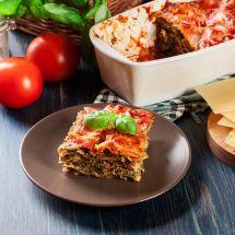 Découvrez la recette de Lasagnes aux épinards et aux tomates, Plat à réaliser facilement à la maison pour 6 personnes avec tous les ingrédients nécessaires et les différentes étapes de préparation. Régalez-vous sur Recettes.net