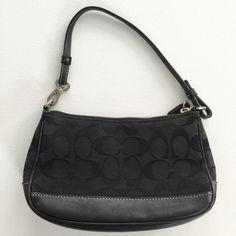 8d732d6e4f Coach Mini Purse This pre-loved Coach mini bag has some signs of use