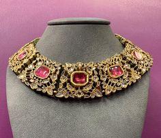 bridal jewelry for the radiant bride Trendy Jewelry, Jewelry Accessories, Jewelry Design, Fashion Jewelry, Women's Fashion, Royal Jewelry, India Jewelry, Gold Jewelry, Ethnic Jewelry