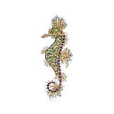 Spilla ippocampo di Schlumberger in oro 18 ct, con peridoti, diamanti, ametiste. #Tiffany & Co