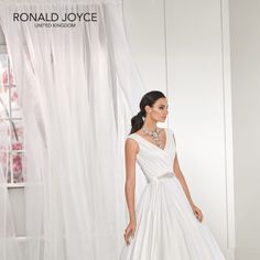 in modern fashions dundlak Ronald Joyce, Social Media Outlets, A Line Gown, Modern Fashion, Formal Dresses, Wedding Dresses, Sleeve Styles, One Shoulder Wedding Dress, Bodice