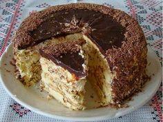 "Торт ""Киевский"" Aka I need someone to help me translate this! Russian Cakes, Russian Desserts, Russian Recipes, Sweet Recipes, Cake Recipes, Dessert Recipes, Kiev Cake, Pavlova, How Sweet Eats"