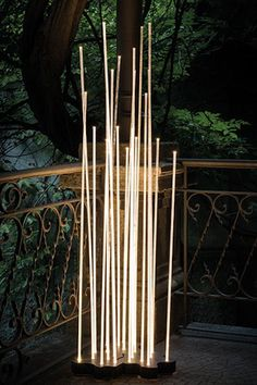 Inspired by nature, the Artemide Reed LED Floor Lamp features 7 transparent rods that capture the warmth of the integrated LEDs. A stunning outdoor lighting statement. Outdoor Floor Lamps, Outdoor Flooring, Outdoor Decor, Outdoor Ideas, Contemporary Outdoor Lighting, Landscape Lighting, Contemporary Style, Contemporary Furniture, Shop Lighting
