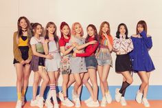révèle une photo teaser de groupe et sa tracklist pour « FUN FACTORY Kpop Girl Groups, Korean Girl Groups, Kpop Girls, Fandom, G Friend, Soyeon, Your Girl, South Korean Girls, Teaser