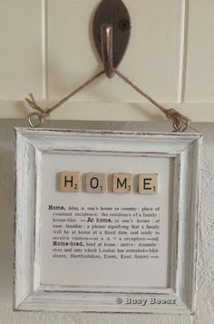 DIy Inspiration Wall Art Love with scrabble letters and definition could be done with so many words Scrabble Kunst, Scrabble Tile Crafts, Scrabble Letters, Scrabble Pieces Crafts, Homemade House Decorations, Diy Home Decor, Decor Room, Cuadros Diy, Decoration Shabby