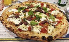 La pizza della domenica al Nord?  Ezio Ponari consiglia la Cetara da Lievito Madre al Duomo di Gino Sorbillo fatta da Gennaro Rapido. http://www.ditestaedigola.com/milano-cetara-lievito-madre-al-duomo/