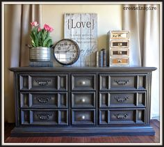 {createinspire}: Broyhill Dresser, this would be cute pink! Furniture Rehab, Painted Bedroom Furniture, Furniture Makeover, Black Painted Furniture, Furniture, Broyhill, Repurposed Furniture, Diy Furniture Projects, Broyhill Dresser