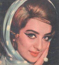 Saira Banu : Bollywood Film Actress Pictures 6