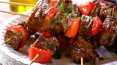 These beef kebabs are so easy to make – you can even prepare them well in advance of your braai! Don't forget your KNORR Salad Dressing. Braai Recipes, New Recipes, Cooking Recipes, Favorite Recipes, Recipies, South African Recipes, Recipe Details, Beef Dishes, Red Peppers