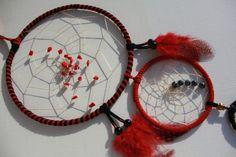 Rot- schwarzer Dreamcatcher mit Achat und Obsidian -  3facher Traumfänger in rot-  schwarz mit Achaten von TRAUMnetz.com     ** DReamcatcher u.v.m.  ** auf DaWanda.com