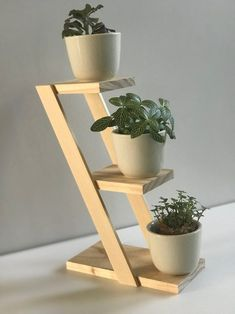 Diy Wooden Projects, Woodworking Projects Diy, Wooden Diy, Woodworking Techniques, Woodworking Plans, Wooden Plant Stands, Diy Plant Stand, House Plants Decor, Plant Decor