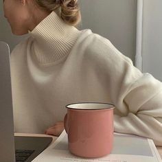 """𝐄. on Twitter: """"finals week moods… """" Aesthetic Collage, Aesthetic Photo, Aesthetic Girl, Aesthetic Pictures, Brown Aesthetic, Looks Style, My Style, Photo Instagram, Study Motivation"""
