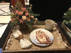 flower show tea tray Table Arrangements, Flower Arrangements, Breakfast Tray, Tea Tray, Table Flowers, Flower Show, Flower Designs, Table Settings, Table Designs