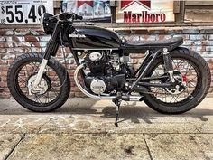 A place to motivate you to finish your dream bike. Harley Davidson Motorcycles, Custom Motorcycles, Custom Bikes, Custom Cafe Racer, Cafe Racer Build, Cb350 Cafe Racer, Cafe Racers, Brat Bike, Cb750