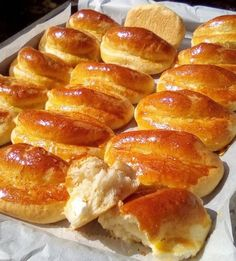 Hot Dog Buns, Hot Dogs, Greek Recipes, French Toast, Bread, Breakfast, Food, Morning Coffee, Brot