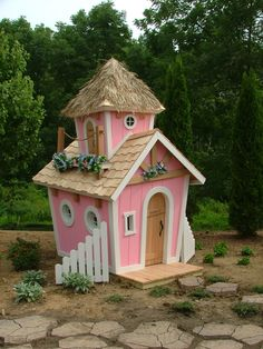 Google Image Result for http://www.childrensplayhousecompany.com/wp-content/uploads/2010/06/Princess-Playhouse-2-2.jpg