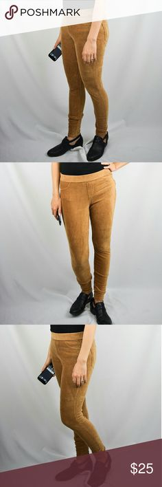 Simply Vera Vera Wang Camel Mustard Jeggings M Amazing Simply Vera Vera Wang camel jegging pants. Very stretchy and extremely soft. Have almost a corduroy look to them without the rough feel. Two back pockets. Very comfortable. Material is 50% cotton. Back is 46% polyester, 4% spandex. Waist is 14 ? inches, inseam is 27 inches, rise is 10 ? inches. Size medium. ?Regular wear but lightly worn and in excellent condition. Open to offers. Bundle to save! Simply Vera Vera Wang Pants Leggings