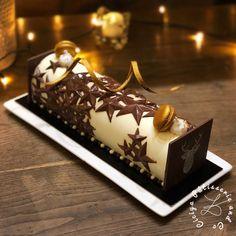 Buche 3 chocolats étoilée - kit STARLIGHT BUCHE de Silikomart - Ciciya PâtisserieandCo Bhg Recipes, Cake Recipes, Mini Burgers, Christmas Travel, Holiday Cakes, Macarons, Party Time, Cake Decorating, Birthdays