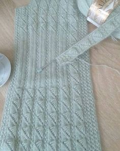 Baby Knitting Patterns, Knitting Designs, Diy Crafts Knitting, Easy Knitting, Diy Crafts Love, Knit Cardigan Pattern, Crochet Bebe, Knitting Videos, Crochet Clothes