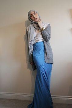 Blue-chris-benz-skirt-white-uniqlo-t-shirt-gold-made-necklace-gray-zara-ca