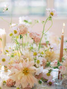 Wedding Arrangements, Wedding Table Settings, Wedding Centerpieces, Wedding Bouquets, Floral Arrangements, Wedding Decorations, Romantic Wedding Flowers, Spring Wedding Flowers, Floral Wedding