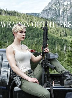 Girl with a Weapon go 2 amateur Military girl . Women in the military . Women with guns . Girls with weapons Mädchen In Uniform, Military Women, Military Army, Military Female, Female Soldier, Army Soldier, Big Guns, After Life, N Girls