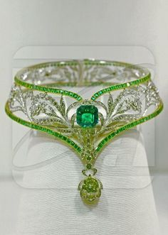 JEWELS OF IMPERIAL RUSSIA: Emerald Necklace with Platinum gold diamonds and emeralds. Shop at Stylizio for womens and mens designer handbags luxury sunglasses watches jewelry purses wallets clothes underwear Royal Jewelry, Diamond Jewelry, Daisy Jewellery, Diamond Earrings, Jewellery Stand, Silver Jewellery, Modern Jewelry, Fine Jewelry, Antique Jewelry